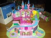 Disney Polly Pocket Magic Kingdom Playset in Naperville, Illinois