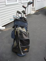 GOLDEN BEAR GOLF BAG WITH  11 CLUBS in Oswego, Illinois
