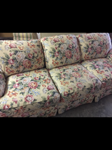 Large Floral SOFA in Warner Robins, Georgia