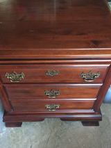 Set of 2 Nightstands in Warner Robins, Georgia