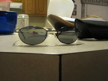 foster grant sunglasses with hard case in Alamogordo, New Mexico