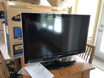 """Samsung 32"""" TV, New condition in St. Charles, Illinois"""