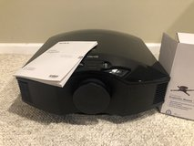 Sony VPLHW50ES Projector w/ Mount & 3D Glasses in Aurora, Illinois