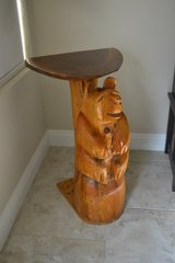 Chainsaw carved bear table in Alamogordo, New Mexico