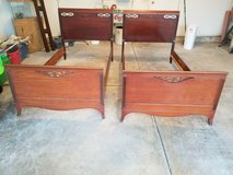 ANTIQUE PAIR MAHOGANY TWIN SLEIGH BEDS*GREAT CONDITION! in St. Charles, Illinois