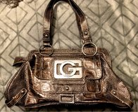 EUC Guess purse, bag in Chicago, Illinois