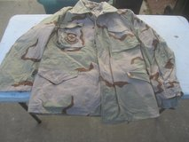 Military Field Jacket Desert Camo Size Med Reg in Warner Robins, Georgia
