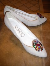 A'MANO SUEDE HEELS w/FAUX BEADED DISCS - SIZE 8.5-B in Chicago, Illinois