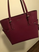 Michael Kors tote purse pink in Grafenwoehr, GE