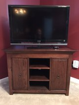 Wood TV stand in Quantico, Virginia