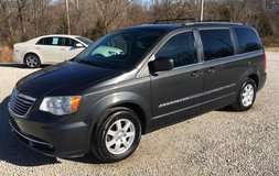 2011 Chrysler Town & Country touring . in Fort Leonard Wood, Missouri