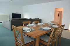 TLA 3BR Apt with AC, 5min from RAB, large balcony with BBQ grill, ground floor [Ref: R21] in Ramstein, Germany
