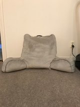 Bed Bath and Beyond Therapedic Foam Backrest hardly used in Alamogordo, New Mexico