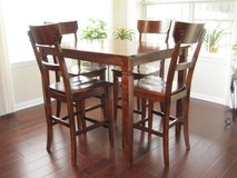 DINING TABLE AND CHAIRS (BAR HEIGHT) in Kingwood, Texas