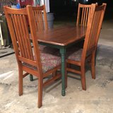 DINING TABLE w/CHAIRS in Fort Leonard Wood, Missouri