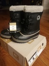 Sorel snow boots youth size 3 brand new in Chicago, Illinois