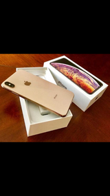 Brand New Apple iPhone XS max 64/256/512 GB In Box in Fort Drum, New York