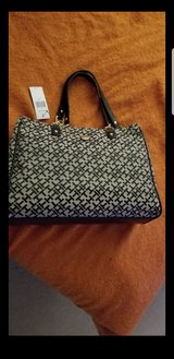 New Tommy Hilfiger purse in Naperville, Illinois