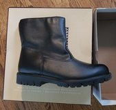 Mens Black Waterproof Leather Boots Toe Warmers Canada Size 9 New in Box in Joliet, Illinois