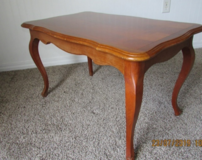 Wood Cocktail table excellent condition in Eglin AFB, Florida