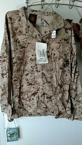 Desert Blouse Sz MR New tags in 29 Palms, California