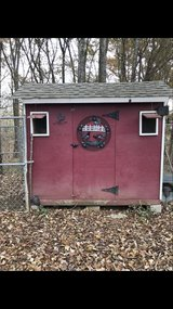 Red 8x8 Chicken Coop Hen House in Fort Campbell, Kentucky