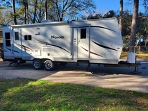 2009 nomad travel trailer 28' with super slide out in Baytown, Texas