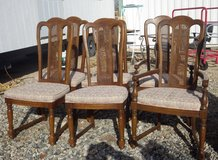 Set of 6 Dinning Room Chairs in 29 Palms, California