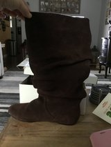 Steve Madden slouchy boots 7.5 brown in Travis AFB, California