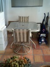 Outdoor square table with 2 chairs in Alamogordo, New Mexico