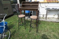work statio table 42''H X 30''D X 42''W /  2 stools if you want them 30''H sapretly 20$ in Okinawa, Japan