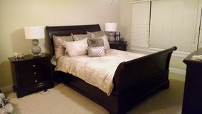 *Used* Queen Chocolate Cherry Sleigh Bedroom Set - US Size in Stuttgart, GE