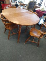 Round Table with 4 Chairs and 1 Leaf in St. Charles, Illinois