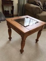 Pretty End Table in Chicago, Illinois