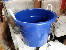 18 Gal Rope Handles Tub in Naperville, Illinois