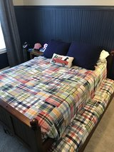 4 Piece Full / Double Wood Bedroom Set with Trundle in Naperville, Illinois