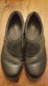 Clark's Shoes - Size 9 in Naperville, Illinois