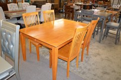 Table, butterfly leaf & 4 chairs in Tacoma, Washington