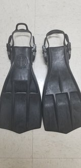Aqualung scuba Rocket fins in Camp Pendleton, California