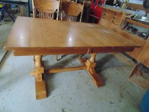 OAK TABLE AND CHAIRS in Orland Park, Illinois
