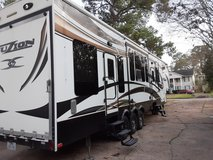 2013 keystone infusion Toy Hauler. 42ft. in Bellaire, Texas