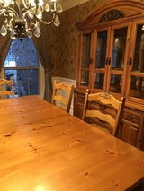 Dinning Table with matching hutch in Chicago, Illinois