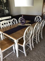 Kitchen table and eight chairs in Joliet, Illinois