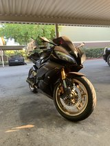 2009 Yamaha R6 raven edition - 26,700 miles in Travis AFB, California