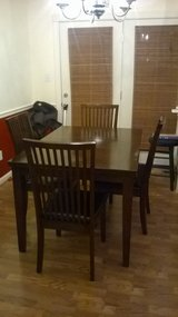 Dining Table w/4 chairs in Hopkinsville, Kentucky