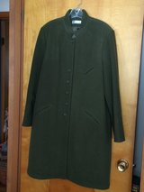 PRE-OWNED HARVE BENARD OLIVE GREEN COAT - WOOL - FULLY LINED - SIZE 16 in Sandwich, Illinois
