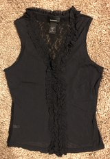Express Black Lace Sheer Ruffle Top, Sz M in Fort Campbell, Kentucky