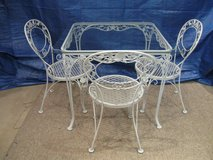Vintage Woodard Table and 3 Chairs-Chantilly Rose in Chicago, Illinois