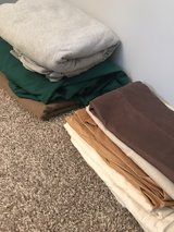 9 pillow cases & 3 sheets in Warner Robins, Georgia