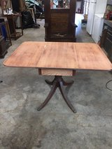 Drop leaf Table in Pearland, Texas